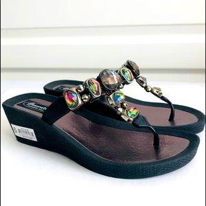 NWT Grandco®️ Wedge Thong Sandals Sz 6